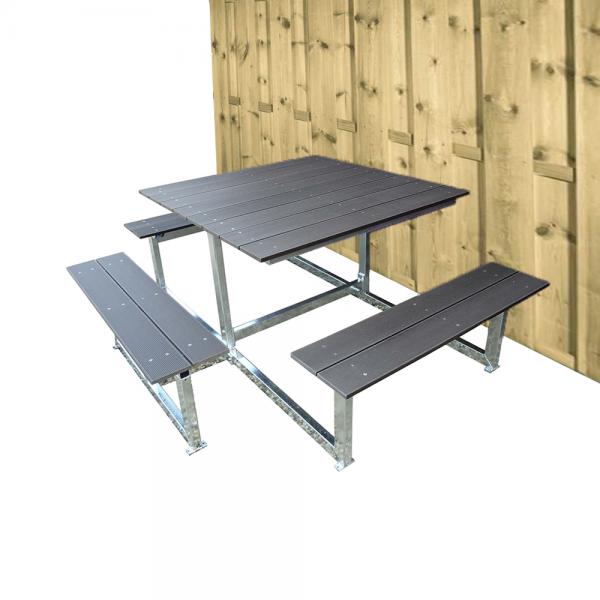 vierkante picknicktafel met rolstoel plek