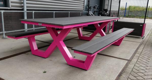 picknicktafel van staal gecoat roze