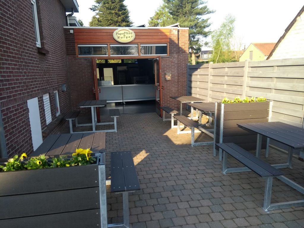 Picknicktafel terras pizzeria Belgie