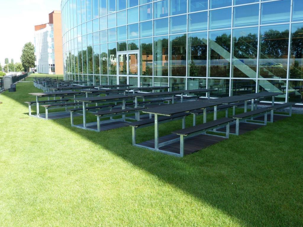 Lifetime picknicktafels staal composiet bij Eneco