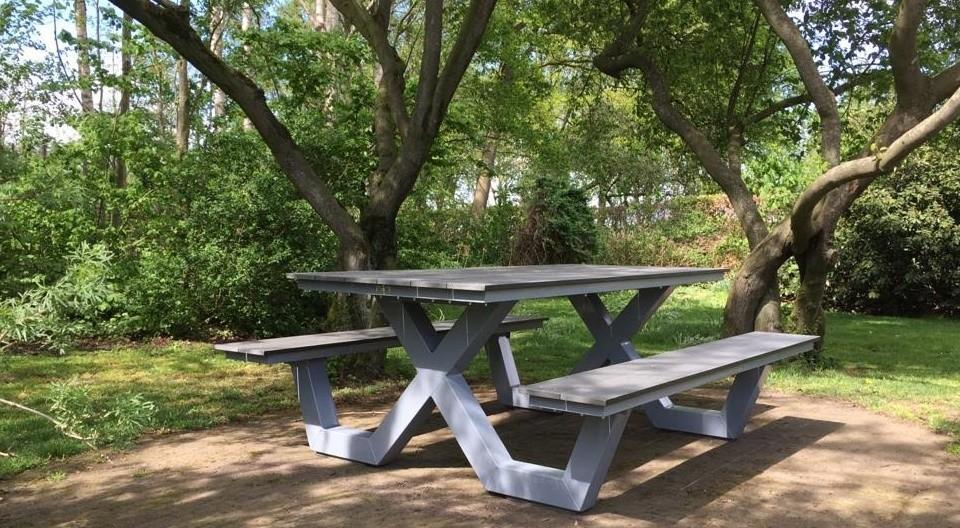 Kruispoot picknicktafel grijze coating