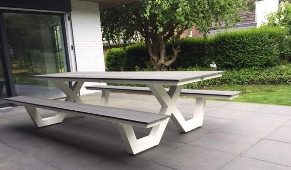 White picknick bench steel frame