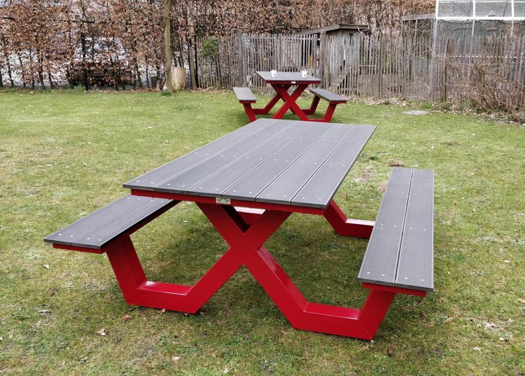 Picknicktafel X poot in kleur rood